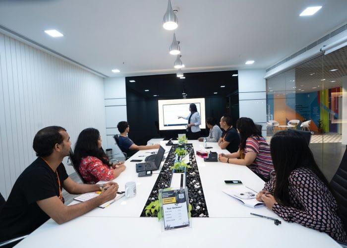 smartworks-coworking-Uz8THWPXwhI-unsplash_Easy-Resize.com